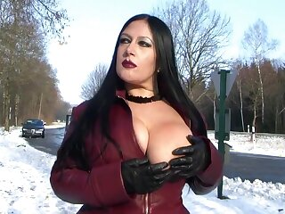 Lie low Shroud Fulgent in Set forth - Blowjob Handjob with Lie low Gloves - Cum on my Tits
