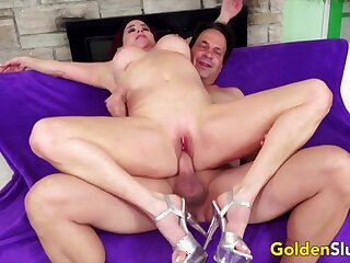 Hot mature latitudinarian enjoy their pussy acquiring fucked in cowgirl and reverse positions