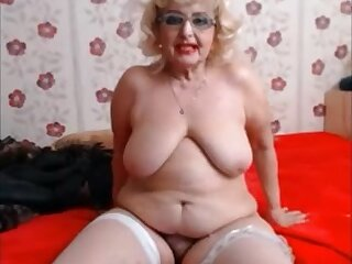 Soft hot big granny showing everything exceeding cam