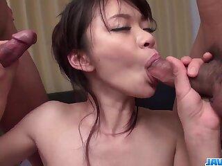 Top porn en rapport slim Japanese milf, Akubi Yumemi