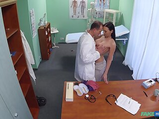 Busty brunette leaves roasting physician to check her pussy to boot