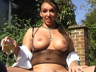 Busty pet Keira Pharrell masturbates just about a dildo in gone from