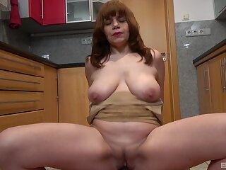 Amateur skirt Kittyla drops on their way knees to blow and rides well