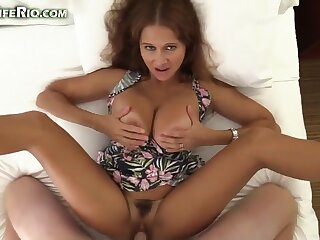 Amateur video with homemade POV hardcore with mature babe - cumshot